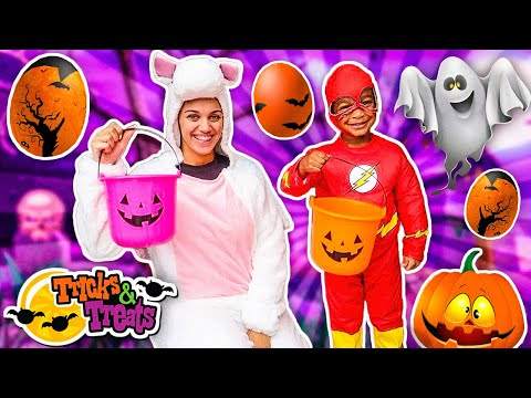 HALLOWEEN TRICK OR TREAT for Toy Egg Surprise and Candy With DJ's Clubhouse