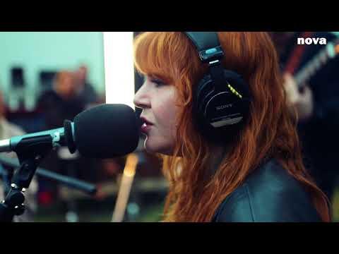 Altin Gün - Goca Dünya | Live Plus Près De Toi