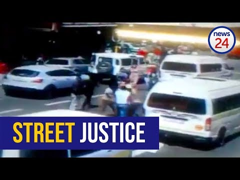 WATCH: Taxi driver chases down phone thief, hands him over to victim