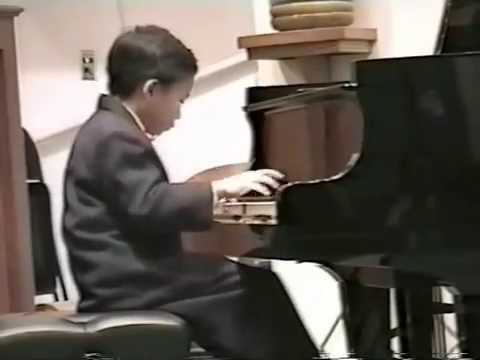 KIT ARMSTRONG (2000,age 8)  J.S. BACH CONCERTO IN D MINOR-3