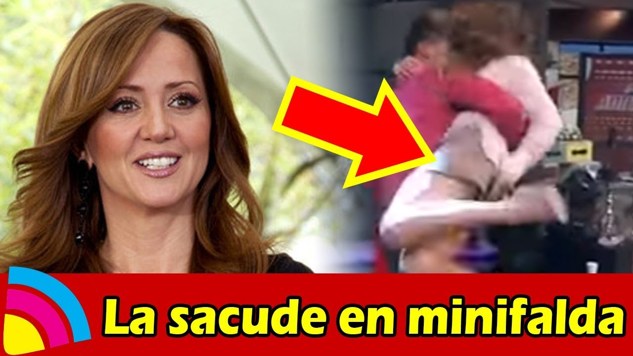 A Andrea Legarreta LA SACUDEN con MINIFALDA y ENSEÑA TODO - YouTube 5ff8c0c12490