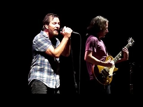Pearl Jam - Let The Records Play - Worcester (October 15, 2013)