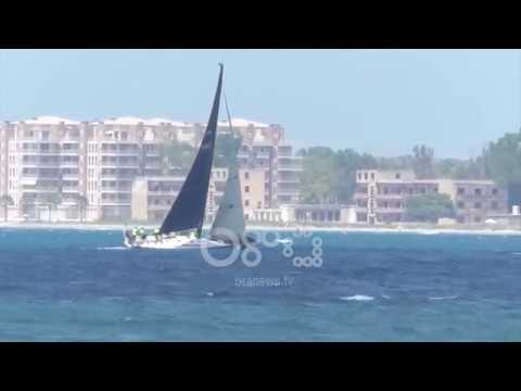 Ora News - Garat me vela në Vlorë ofrojnë shfaqje fantastike në jug