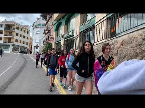 WALKING ON MONTANEJOS