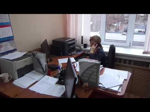 судья Ленинского райсуда г. Курска Петрова решает вопрсы с судьей того же суда Колесниченко К.А.