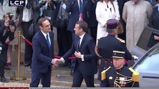 Accueil d'Emmanuel Macron à l'Élysée par François Hollande