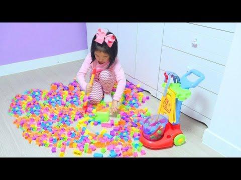 Boram ayuda a su papá! Boram jugar con juguetes de limpieza 보람이의 청소놀이