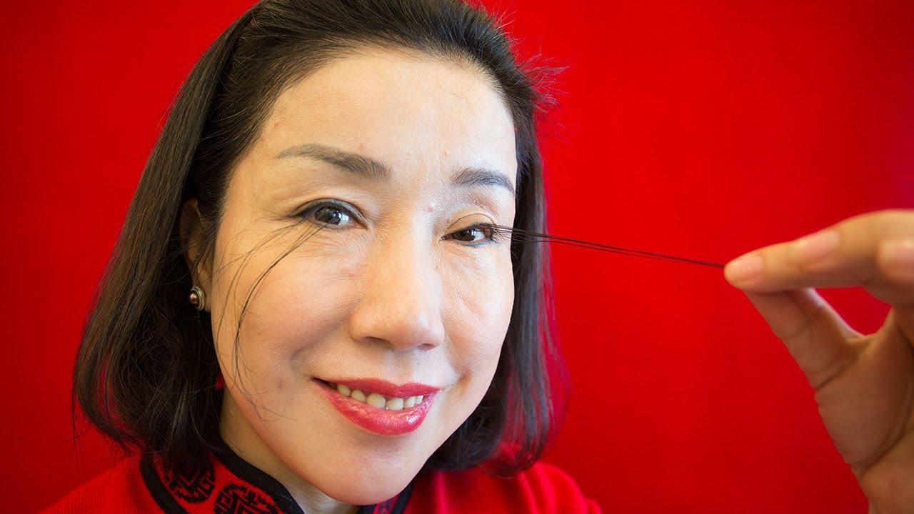 This Woman Has the World's Longest Eyelashes - YouTube