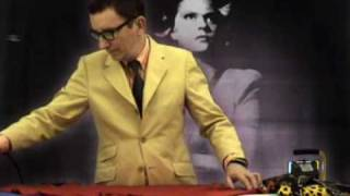 MOLTOSTUHL starring Heinz Felber - Onkel Tante