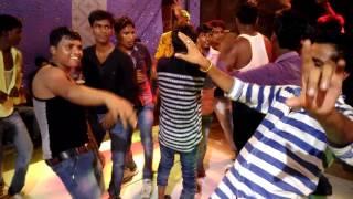 Breakup kar liya .dance party