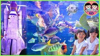 หนูยิ้มหนูแย้ม   เป็นไกด์พาดูปลา เที่ยวเชียงใหม่ Chiangmai Zoo Aquarium