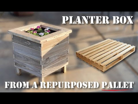 build-an-attractive-diy-planter-box-from-a-pallet-at-no-cost.-great-re-purposed-wood-project!