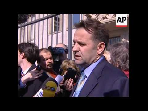 WRAP Serb min. on autopsy, lawyer for Milosevic, arrivals at Forensic Instit.