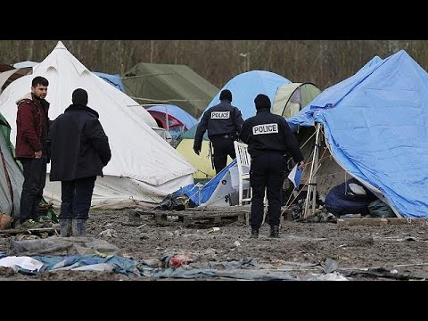"EU's migrant pact ""not consistent with international law"", says UNHCR"