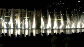 DUBAI MALL MUSIC  FOUNTAIN.. shadowgraphy