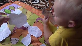 Что делать с ненужными рисунками для ребенка 1 год