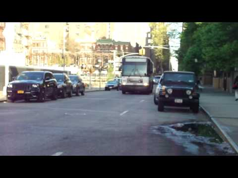 NJ Transit: 2002 MCI D4000 Route 166 #7691 at 10th Ave-W35th St