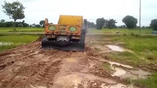 ฝนตกถนนลื่น-ขับรถต้องระวังกันหน่อยนะ-รถดั้มแต่ง-dump-truck-2017