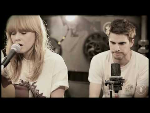 Lucy Rose - Middle Of The Bed - AllSaints Basement Sessions - Bestival Special