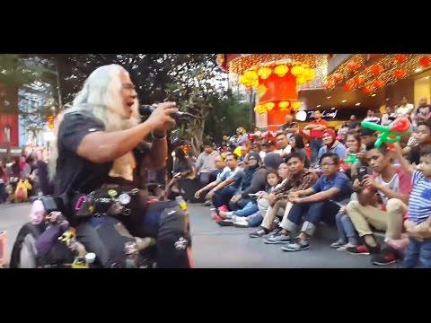 kamelia-otaii rockers sejati feat Kodots buskers cover ramli sarip