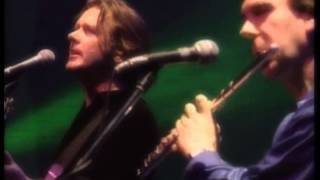 Steve Hackett - Ian Mcdonald - John Wetton \\ I Talk To The Wind