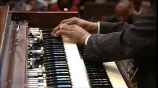Derrick Jackson at West Angeles COGIC - Organ Solo with Praise Break