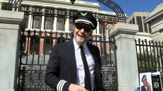 Charlie Cockpit, the singing airline pilot