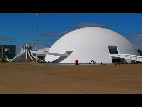 Walking in Brasilia ( Brasil)