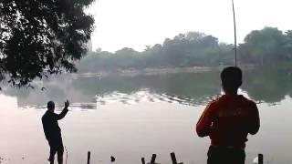 Mancing danau sunter