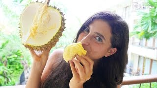 How to Pick & Eat Ripe Durian! BALI VLOG DAY 3