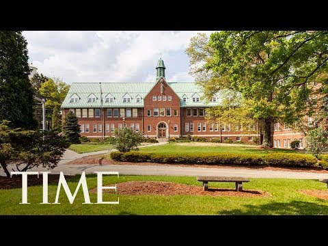 Special Ed Teacher Had Sex With Student In Her Classroom According To Pennsylvania Police | TIME thumbnail