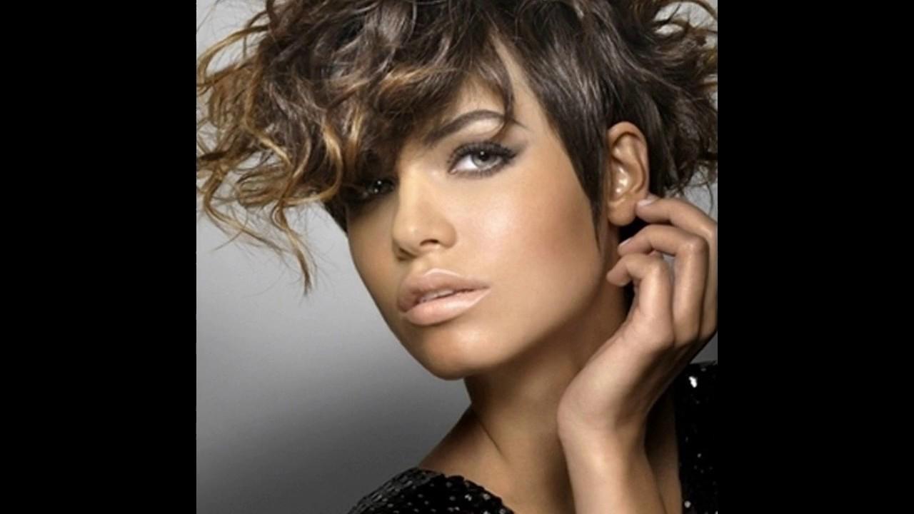 peinados pelo rizado corto para mujer