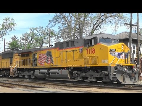UP 7118 Leads a Freight, West Chicago, IL, 5/17/18