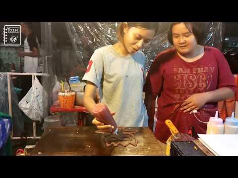 Pancake Artists at New Rot Fai Market, Bangkok