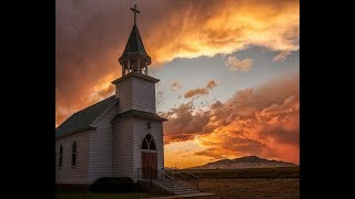 Bluegrass Hymns And Old Country Churches