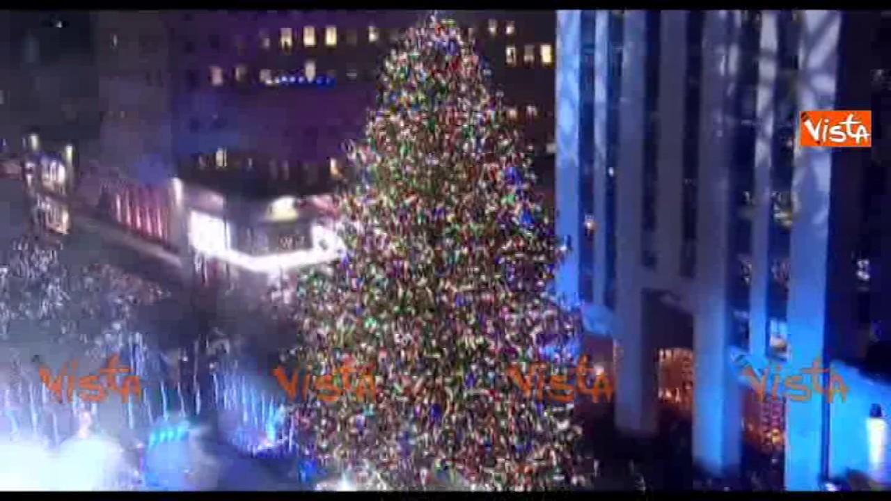 Immagini Natale A New York.Natale A New York La Spettacolare Illuminazione Dell Albero Natalizio Al Rockfeller Center
