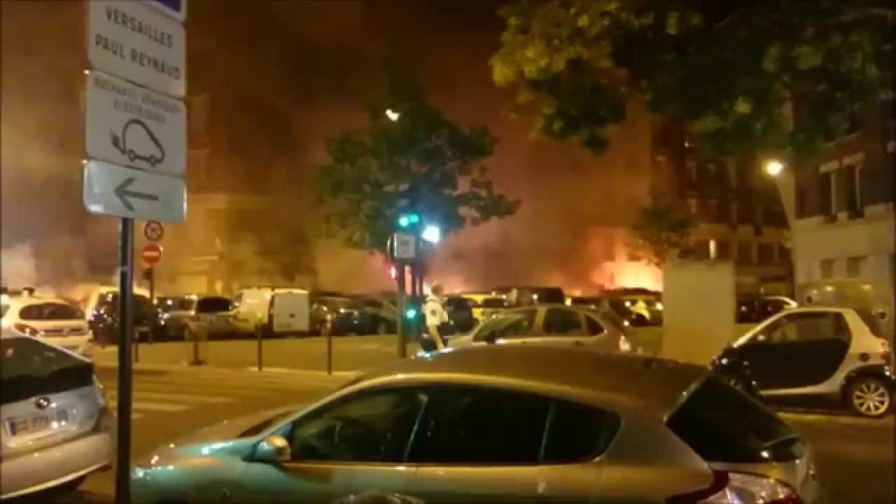 14 07 2015 un incendie br le 26 voitures porte de saint for Indiana porte de saint cloud