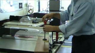 Using The Miter Gauge On The Tablesaw