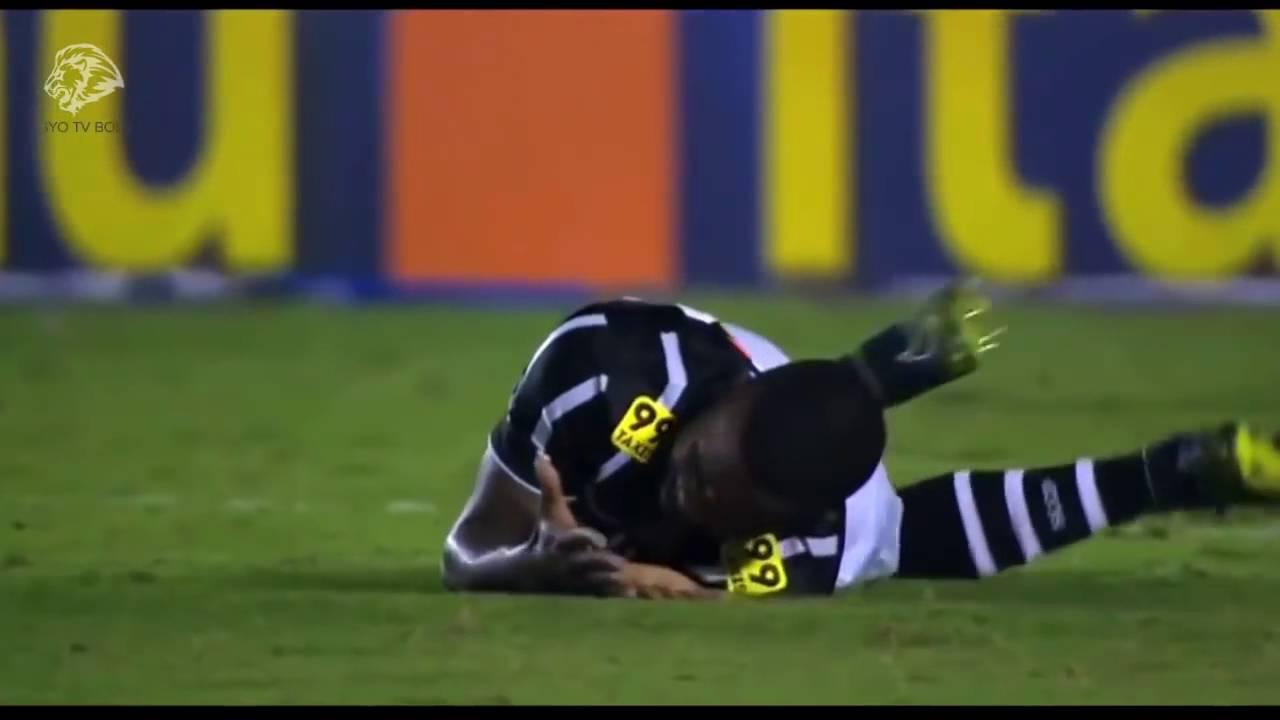 Pelanggaran Dan Tackle Brutal Ada Yg Patah Kaki Sepak Bola