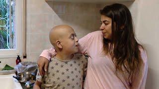 מחיאות כפיים וליצנים בוכים: מת סמל מאבק הילדים החולים בהדסה