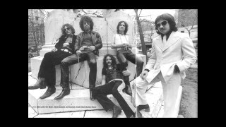 BLUE OYSTER CULT - LIVE 1972 - The Red and the Black - 1 of 9