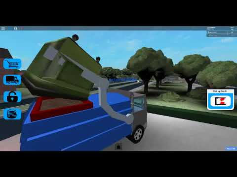 Roblox garbage truck simulator and truck review!!!