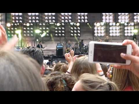 KELLY CLARKSON   WE BELONG TOGETHER CAPITAL SUMMERTIME BALL 06.06.2015