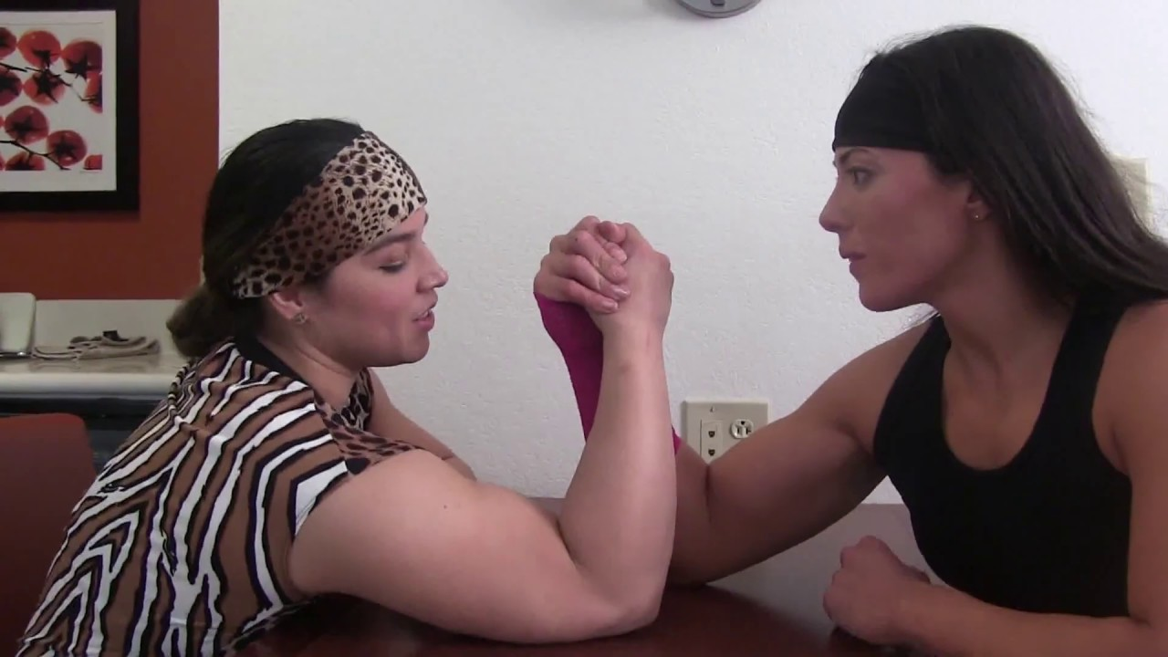 Busty female armwrestling - Nude pics
