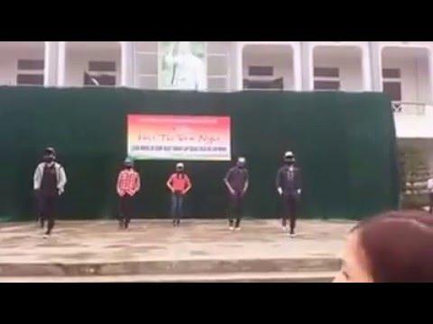 màn nhảy shuffle của lớp 11a2 trường THPT Cẩm Khê