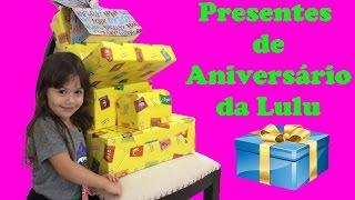 Abrindo presentes de aniversário da Lulu