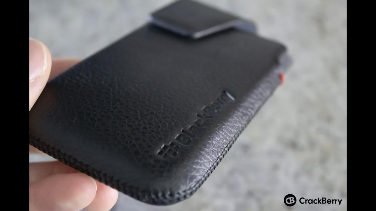 the best attitude f26a1 68381 Checking out the official BlackBerry Z10 leather holster