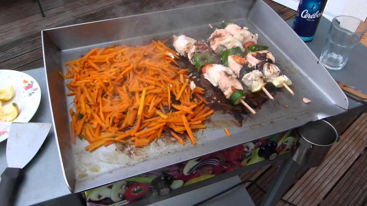 Fondue de carottes et brochettes de poissons la plancha for Poisson a la plancha