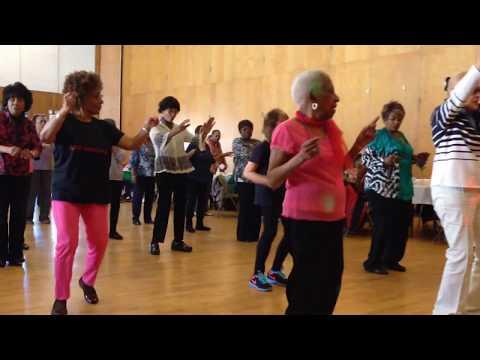 seniors-dancing-to-uptown-funk