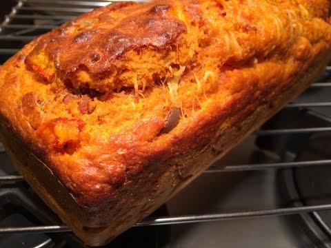 recette-cake-salé-bi-colore-(olive/tomates/thon/fromage)